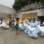 Alistan desfile cívico - estudiantil en #Guayaquil. http://t.co/JON0lsWmp2 http://t.co/7jH81CXKQh