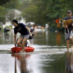 Know anyone who lost a pet in the #SCFlood? Heres where to start looking: http://t.co/AcoObn9bBj. @glennsmith5 http://t.co/BCTY1xCM6S
