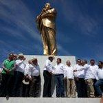 #LazaroCardenas. Continuamos en este gran evento del #79Aniversario del Reparto Agrario en la #RegionLagunera. http://t.co/wFGVTINR3g