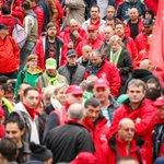 Selon le Setca, 7000 manifestants ont pris le chemin de Bruxelles depuis Charleroi #manif7oct http://t.co/yCXrIUepKW http://t.co/gzHRY8Sgen