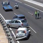 El carril izquierdo es para adelantar, no te lo tomes como un carril habilitado para ti y tus prisas. #ViajeSeguro http://t.co/mWyOd3nnY7