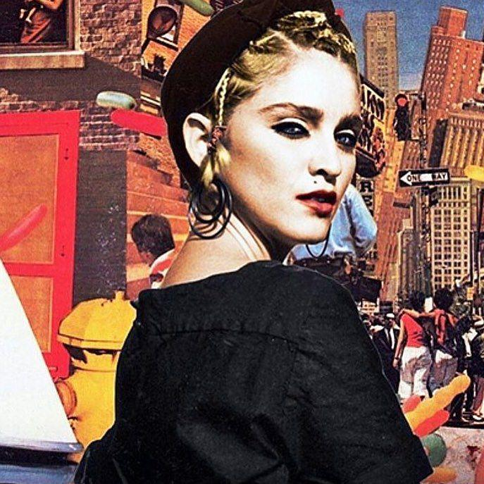 Never look back its a waste of time????????❤️ #rebelhearttour http://t.co/EUBmIskioo