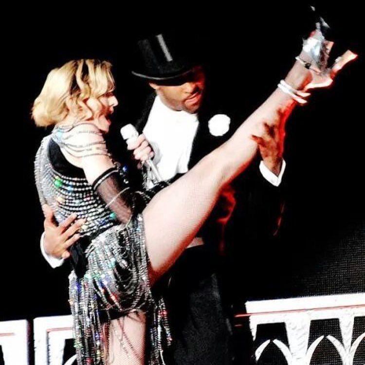 Its good to remain flexible at all times! ???? #materialgirl ❤️ #rebelhearttour http://t.co/nOz93CDhYQ