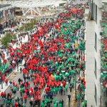 La foule de manifestants sétend de la gare du Nord #Bruxelles au bd Pachéco #manif7oct http://t.co/FtYv5s6CqS http://t.co/Dp0uVGuPPR
