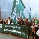 .@Ecolo en @Groen op #betoging7okt voor meer jobs en minder vervuiling #hetkananders #possibleautrement http://t.co/NvLhdrMhzM