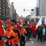 Betogers trekken van Noord naar Zuid via Centraal http://t.co/RhXxW4ucVd http://t.co/55vhgvYymm