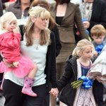 """Daughters of murdered PC Dave Phillips lay flowers for their """"superdaddy""""   @joe_thomas18 http://t.co/22GqU5bGrl http://t.co/asAg3Vqthl"""
