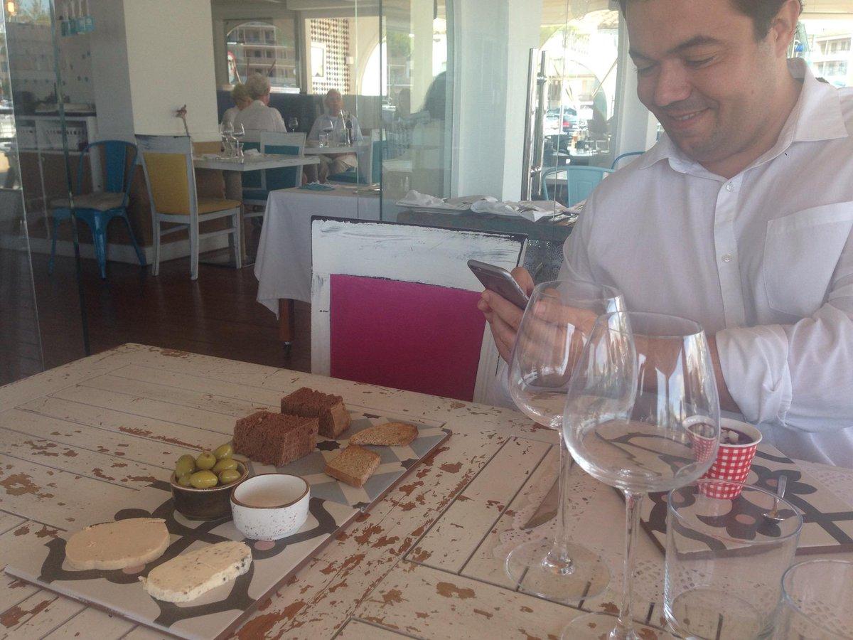 Aquí estamos disfrutando del #mallorcafeelings. Espectacular aperitivo (@ Sal de Coco) https://t.co/1NMNKbfYXg http://t.co/BLwIx7xMGB