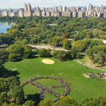 Thousands of people gathered in @CentralParkNYC to commemorate #JohnLennons 75th birthday! Via @PBS #Fox35 #NewYork http://t.co/LA2pCXQObh