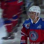 В день рождения Владимир Путин проводит матч со знаменитыми хоккеистами (ПРЯМАЯ ТРАНСЛЯЦИЯ) https://t.co/Z508JXysZs http://t.co/8pI15NZbL6