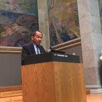 Francis Fukuyama is in the house #UniOsloFukuyama http://t.co/e4ab0SvziI