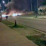 Llenos de escombros amaneció Guarenas por protesta http://t.co/MFvF3PgahN #7Oct http://t.co/bj1z9363Zz