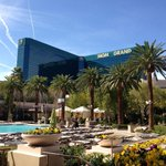 Good Morning from #Vegas! Cant wait to see you. http://t.co/GRS8sgOwAq http://t.co/mE0317ezxu