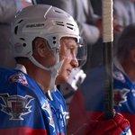 Владимир Путин забросил семь шайб в игре против сборной Ночной хоккейной лиги https://t.co/JSbPBDfn4Q http://t.co/QrFu6lAJax