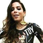 Lacradora, @Anitta responde haters após campanha para enviá-la ao Acre. http://t.co/bECNECRq0D http://t.co/2iO5o26VIW