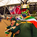 Close call as to whos got the best dressed fans in the @NewhamLondon Fanzone today - #RSA or #USA? #RWC2015 http://t.co/7sVd7DxJZD