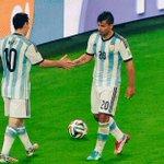 """""""¿Vas a usar la 10? ¿No te vas a cagar?"""", Messi a Agüero. http://t.co/NoQ6fvuHbm"""