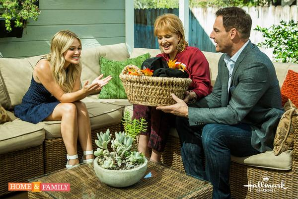 Today on @homeandfamilytv @olivia_holt talks homeschooling, #IDidntDoIt & Haunted Houses! 10/9c! @MarkSteines http://t.co/h7VKCdR8cr