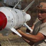 Высокоточные ракеты и корректируемые бомбы: чем снаряжают российские самолёты в Сирии https://t.co/Pl8Bbw6mce http://t.co/QIDJaKJ2Te