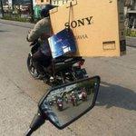 Cuando compras una tele y un play en Luque. http://t.co/azUTjlvZhl