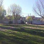 Comenzamos a consolidar nuevo espacio verde en Nqn. Se trata de un predio de calle México al 1400 del Barrio Belgrano http://t.co/k7QdZ9PbLu