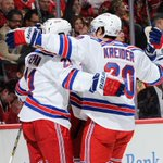 #NYR beat the Blackhawks on Opening Night 3-2!!! http://t.co/mf3U50xAHP