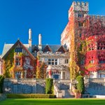 Fall Colours at Hatley Castle.  #fall #autumn http://t.co/qCR1qW6pSO