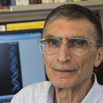 """[Video] """"En çok ülkem için sevindim"""" Nobel ödüllü Aziz Sancar duygularını AA ile paylaştı: http://t.co/kHXb5Qdgfy http://t.co/tFWfxyrTDF"""