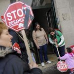 "El Parlamento Europeo pide a España que reduzca el ""intolerable número de desahucios"" http://t.co/8llBvROny3 http://t.co/ap79febvnw"