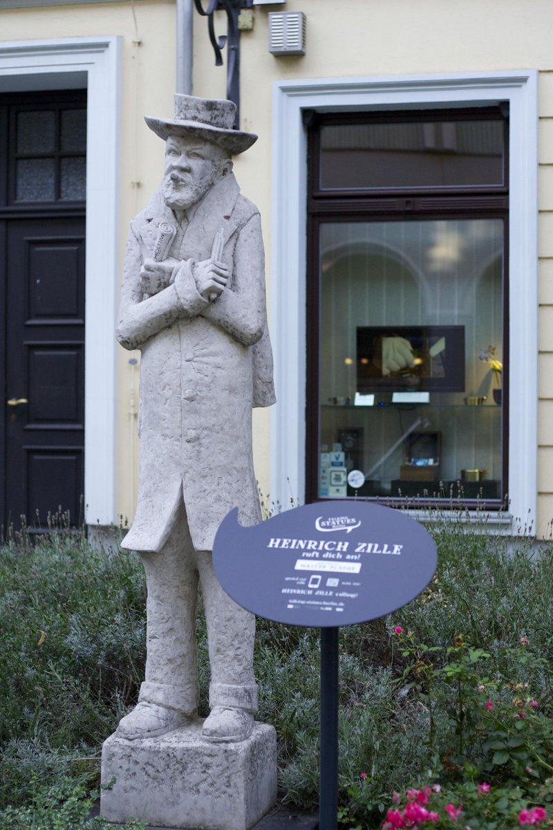 RT @MuseumsnachtB: Wir Suchen Eure Ideen Für Denkmäler In Berlin, Von Denen  Ihr Angerufen Werden Möchtet. Infos: Talking Statues Berlin.de Httu2026