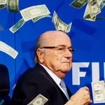 OFFICIEL ! Michel Platini, Sepp Blatter et J. Valcke ont été suspendus 90 jours par le comité déthique de la FIFA ! http://t.co/xVVg8bhe7V