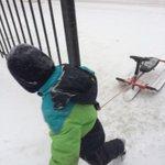 Пермь. 8 октября. Чувак идет кататься на снегокате. http://t.co/nU6jFb8kqd
