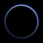 O céu é azul em Plutão, revela nova foto da Nasa http://t.co/8822OXhxHy http://t.co/6FFJCLEqeu