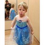 Filho pede para ser Elsa no Halloween e tem o apoio do pai (que será Anna). http://t.co/aat2UOY2sk #Frozen http://t.co/yJPwH9NW6a