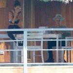 Justin em Bora Bora - 06 de Outubro: http://t.co/MUEQx6SAL2 #EMABiggestFansJustinBieber http://t.co/3FdUM5g9yC