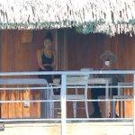 Justin em Bora Bora - 06 de Outubro: http://t.co/MUEQx6SAL2 #EMABiggestFansJustinBieber http://t.co/sYluSpILMh