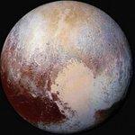 """Nasa revelará descoberta """"surpreendente"""" sobre Plutão nesta quinta-feira http://t.co/ZdN3qftroe http://t.co/vPp30WtoT4"""
