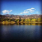 Stunning #fall colors this morning along my running route! #colorfulcolorado #coloradosprings http://t.co/hRutHjXoV8