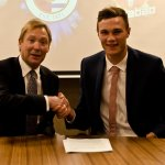 NEW DEAL: Royals centre-back Jake Cooper has just put pen to paper on a new contract! http://t.co/fbwljvOMtY http://t.co/J82nYtmHlW