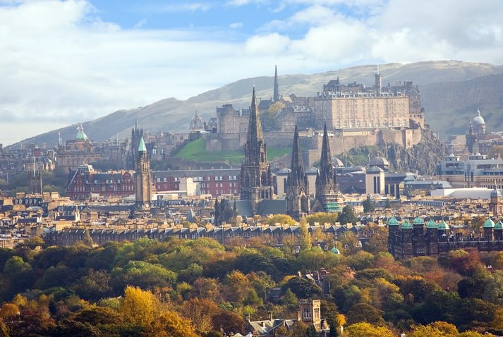 Edinburgh has been named the best place to live in the UK! RT if you agree https://t.co/Faf5WCpFVg https://t.co/XuKRSHMnf2