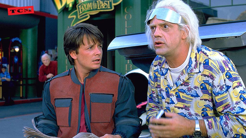 ¡Atención! Joven dice que llegó del pasado. ¡Bienvenido al futuro Marty! #BackToTheFuture https://t.co/h0E5BrzBrs