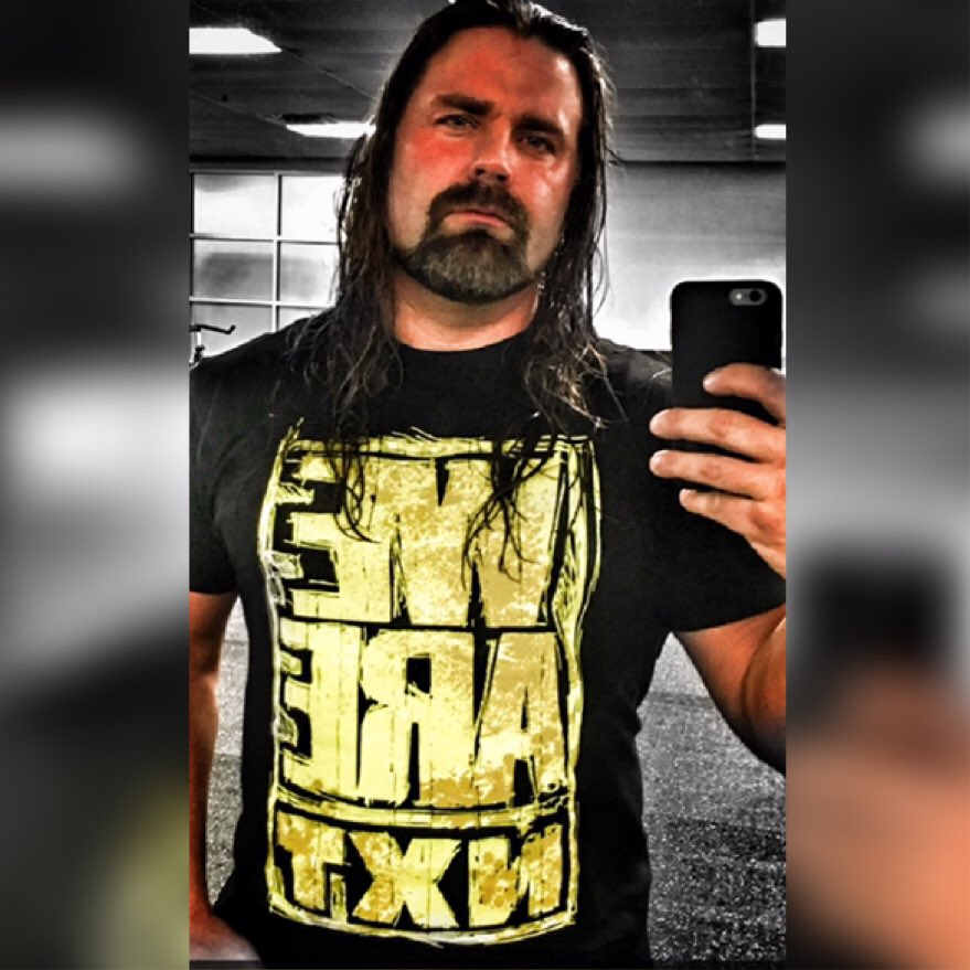 Tonight we are NXT and I, I am James Storm . See ya tonight on the @WWENetwork @WWENXT @WWE https://t.co/ON7ReISJ75