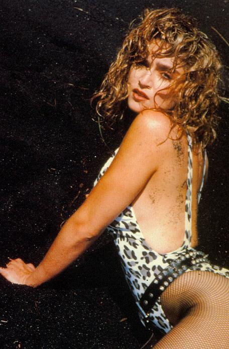 #Madonna poses on the beaches of Hawaii in a leopard print Marissa suit for a 1985 Rolling Stone shoot. #MadonnaInNK https://t.co/LnDsgix9Iy