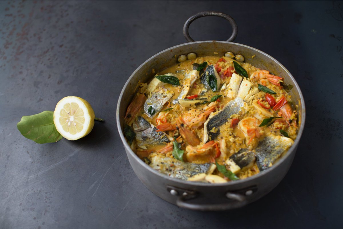 #RecipeOfTheDay my easy curried fish stew with prawns, white fish and sweet tomatoes! https://t.co/HXKxhmCK2D https://t.co/a9GtqeJJZD