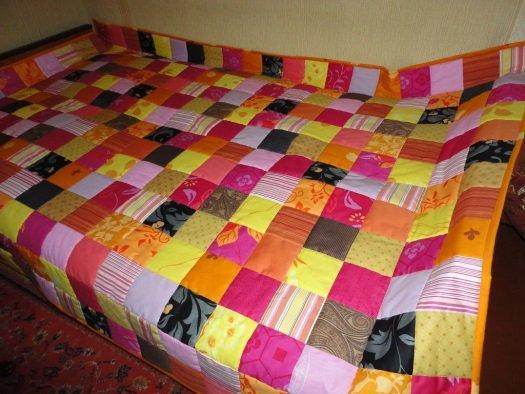 Как сшить из лоскутков одеяло