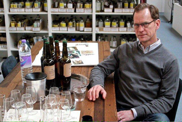We talk 15 years of @CompassBox whisky with blending guru John Glaser https://t.co/8K587rS0Z9 https://t.co/I7EZpOMMKZ