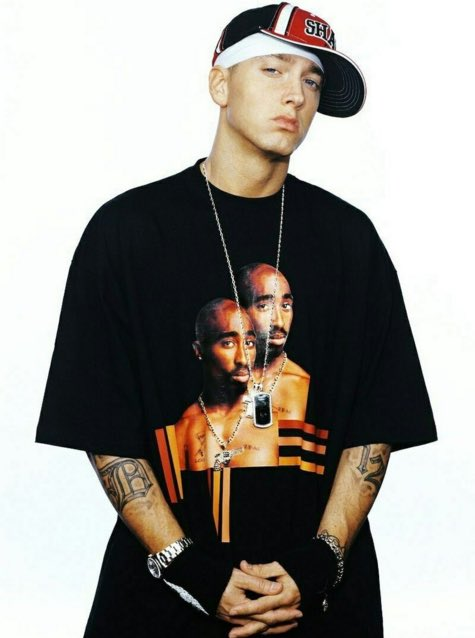 Eminem with a tupac t shirt 🙏🏼🙏🏼 https://t.co/YdMu07tyRp