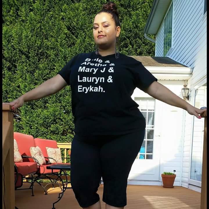 "#tbt ""soul sista"" shirt @maryjblige @fatbellybella @MsLaurynHill  https://t.co/4pUX0W2rdy https://t.co/OF6kl4caen"