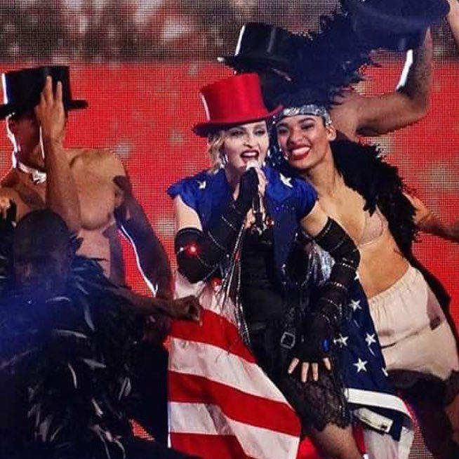 We are here to party Edmonton!????????????GET READY! ❤️ #rebelhearttour http://t.co/VO3z9UazrG