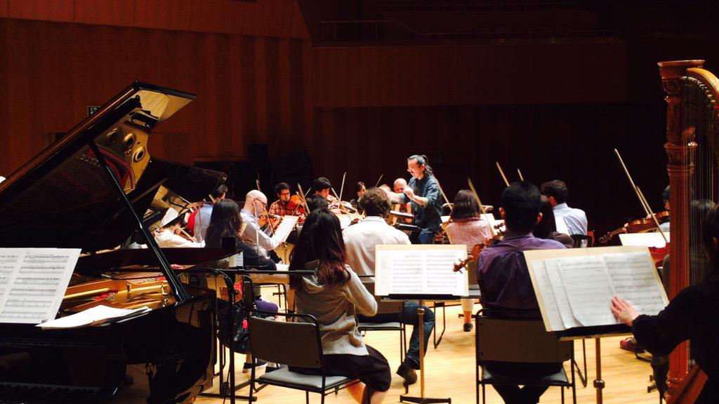 石川県立音楽堂では、ただいま朗読劇の最終稽古。花咲くいろは「ぼんぼりオーケストラ」は13:15開場、14:00開演。チケットをお持ちの皆さま、会場でお会いしましょう! http://t.co/Q4VtNsqmH1